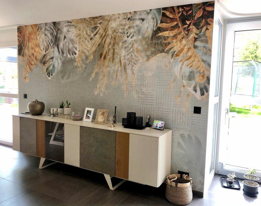 Salle-à-manger et salon avec meuble, papier peint, Wallyart, décoration murale, décoration d'intérieur Neuchâtel, Sur un Autre Ton, papier peint Neuchâtel, papier peint Colombier.