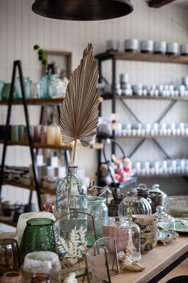 Vase, lanternes, boutique de décoration, boutique cadeaux, bougies, bijoux, peinture Chalk Paint® Annie Sloan, produits artisanaux, boutique colombier