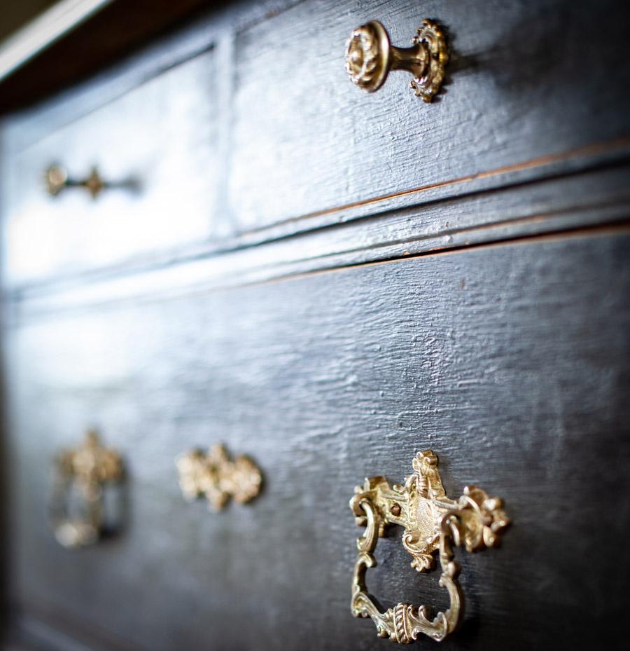 Transformation de meubles, rénovation de meubles, commode, peinture, Chalk Paint® Annie Sloan, boutique peinture Colombier